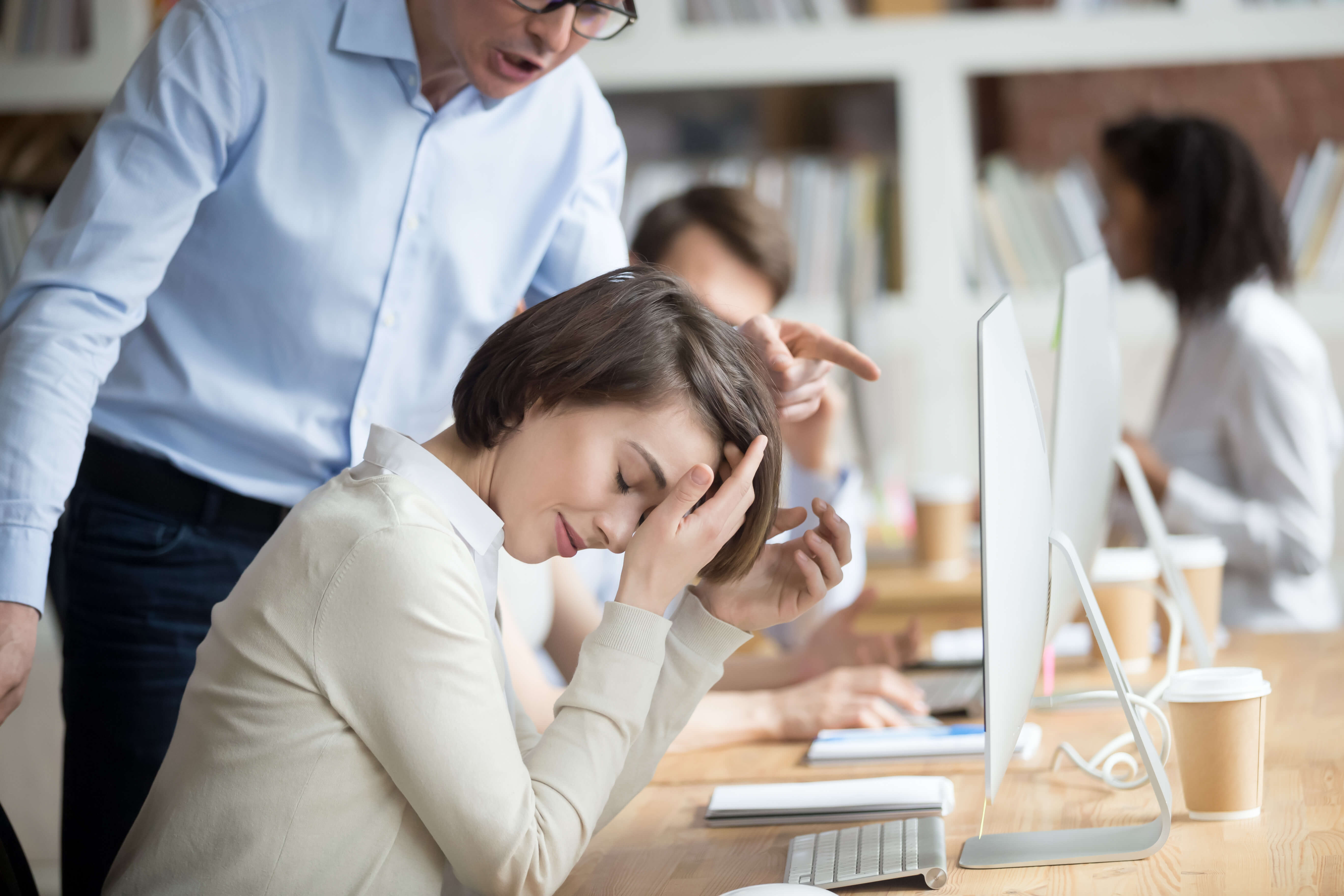 האם אנשים עם אישיות בלתי נעימה צוברים יותר כח בעבודה?