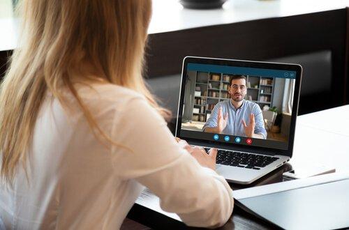 טיפול חרדה חברתית באמצעות וידאו פידבק